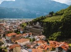 Scale urbane. Una scoperta ascensionale - Cantine Monfort